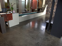 Restaurant grey concrete floor